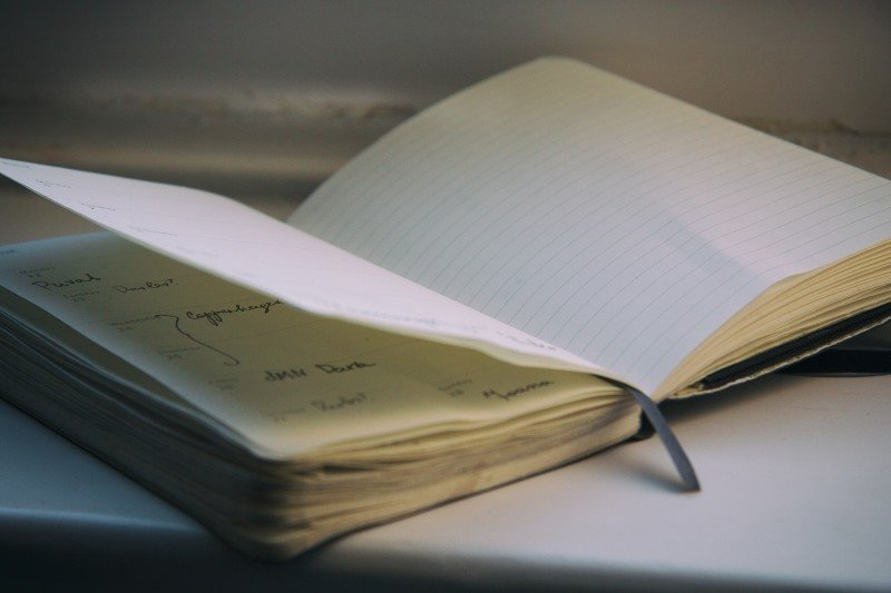 open-notebook-on-table